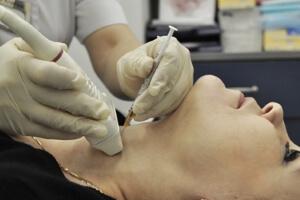 Лечение флегмоны шеи и её осложнения – чем опасна флегмона шеи, и как её вовремя заметить?