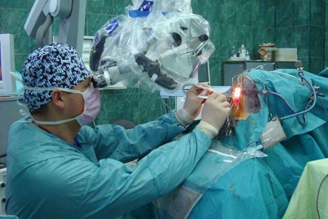 Что лечит нейрохирург и в каких случаях к нему обращаться – симптомы, диагностика в нейрохирургии