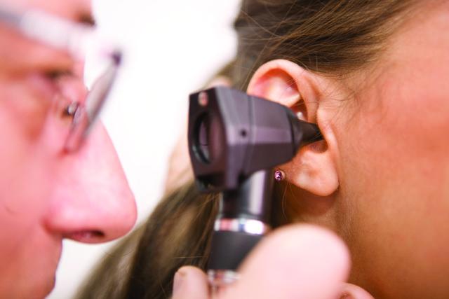 Причины и симптомы отосклероза - когда нужна операция?
