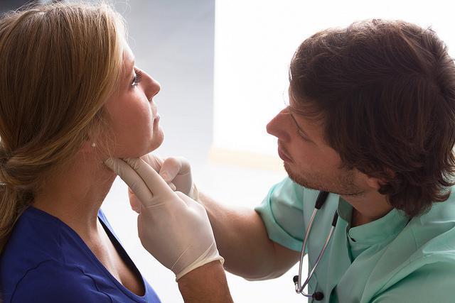 Рак щитовидной железы - папиллярная и фолликулярная формы, а также методы лечения