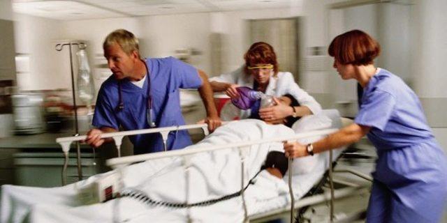 Кесарево сечение плановое и экстренное - показания, проведение