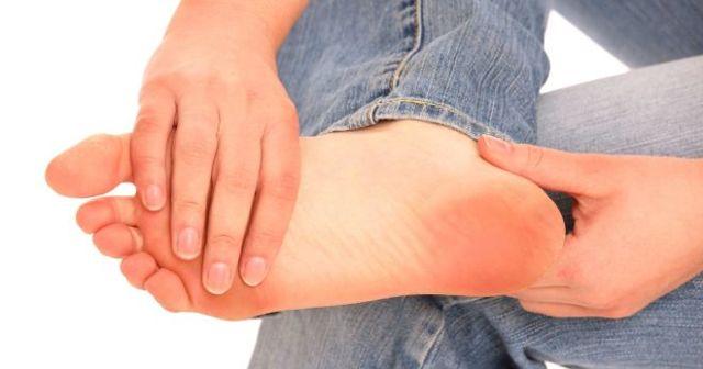 Причины пяточной шпоры, симптомы плантарного фасциита