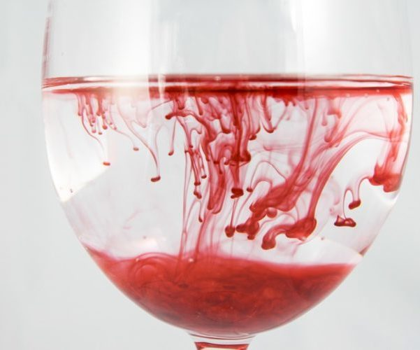 Причины маточного кровотечения в разные периоды жизни женщины – что делать при внезапном или хроническом кровотечении из матки?