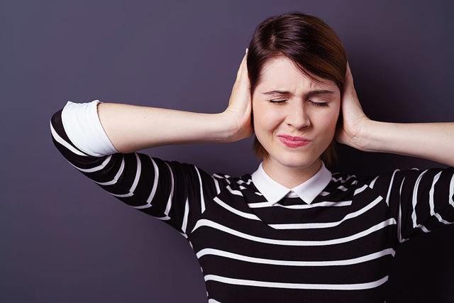 О чем сигнализирует шум, звон в ушах и резкое нарушение слуха?