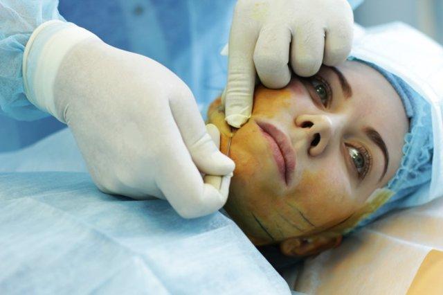 Безоперационная подтяжка лица нитями – отзывы, видео, сравнение цен на процедуру